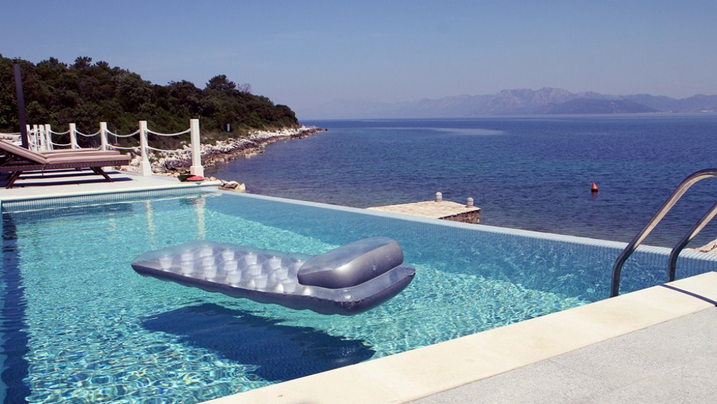 villa-croatia-private-pool-3